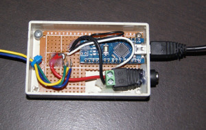 Arduino Mini Pro with power in project box.