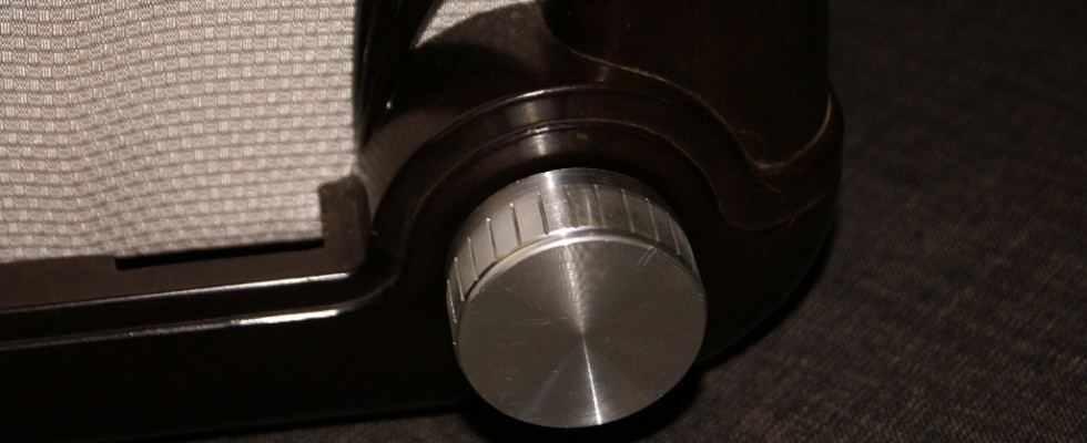 Encoder knob attached.